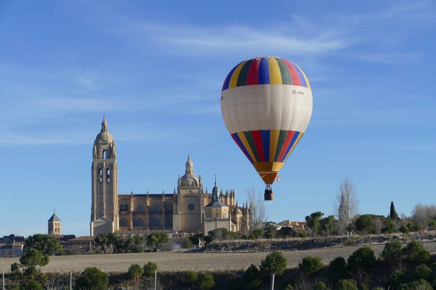 Vuelta en globo en Segovia