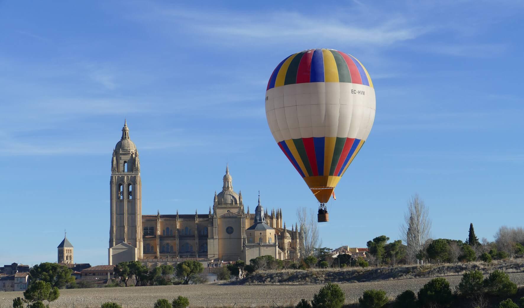 La catedral de Segovia desde un globo